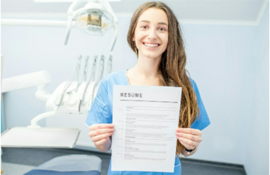 Land Your First Gig: 4 Common Dentistry Interview Questions to Help You Prep