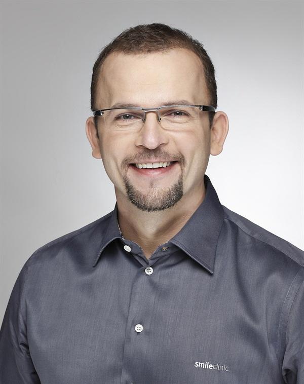 Dr. Kris Chmielewski  Use of Guided Bone Regeneration in a Dental Practice.