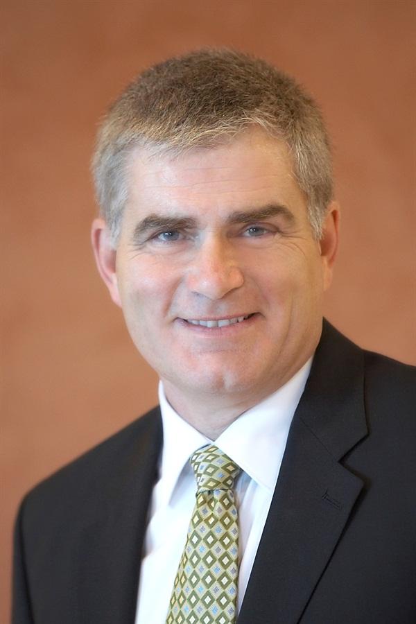Mark T. Murphy, DDS, FAGD  Evidence Based Shade Communication in Restorative Dentistry